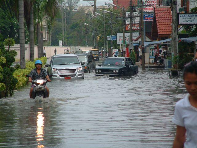 Дъждове в Тайланд